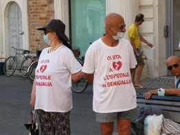 SENIGALLIA manifestazione protesta piazza pro ospedale2020-07-11 (4)