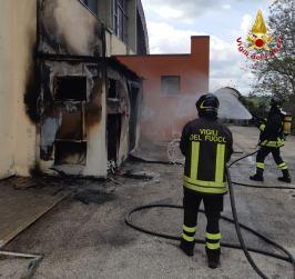 CORINALDO incendio esterno cabina palestra2021-04-15 (14)