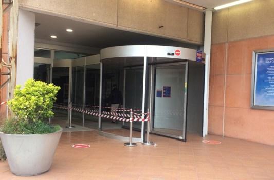 SENIGALLIA ingresso danneggiato Il Maestrale furto MfP2021-04-10 (5)
