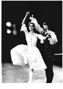 Carla Fracci_Mirandolina 1982_archivio del Teatro Pergolesi