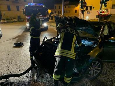 JESI incidente auto viale feriti2021-07-05 (1)