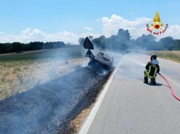 MONTE SAN VITO auto fiamme2021-07-02 (1)