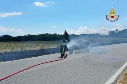 MONTE SAN VITO auto fiamme2021-07-02 (2)
