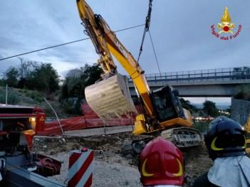 FALCONARA recuperato escavatore ribaltato2021-08-24 (2)