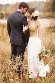Inspirations pour un mariage doré | Shooting photo couple | présenté par La Mariée Sous Les Etoiles