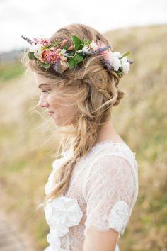 Couronne de fleurs Mariage _ Photography Love Dale Photography via Polka Dot Bride