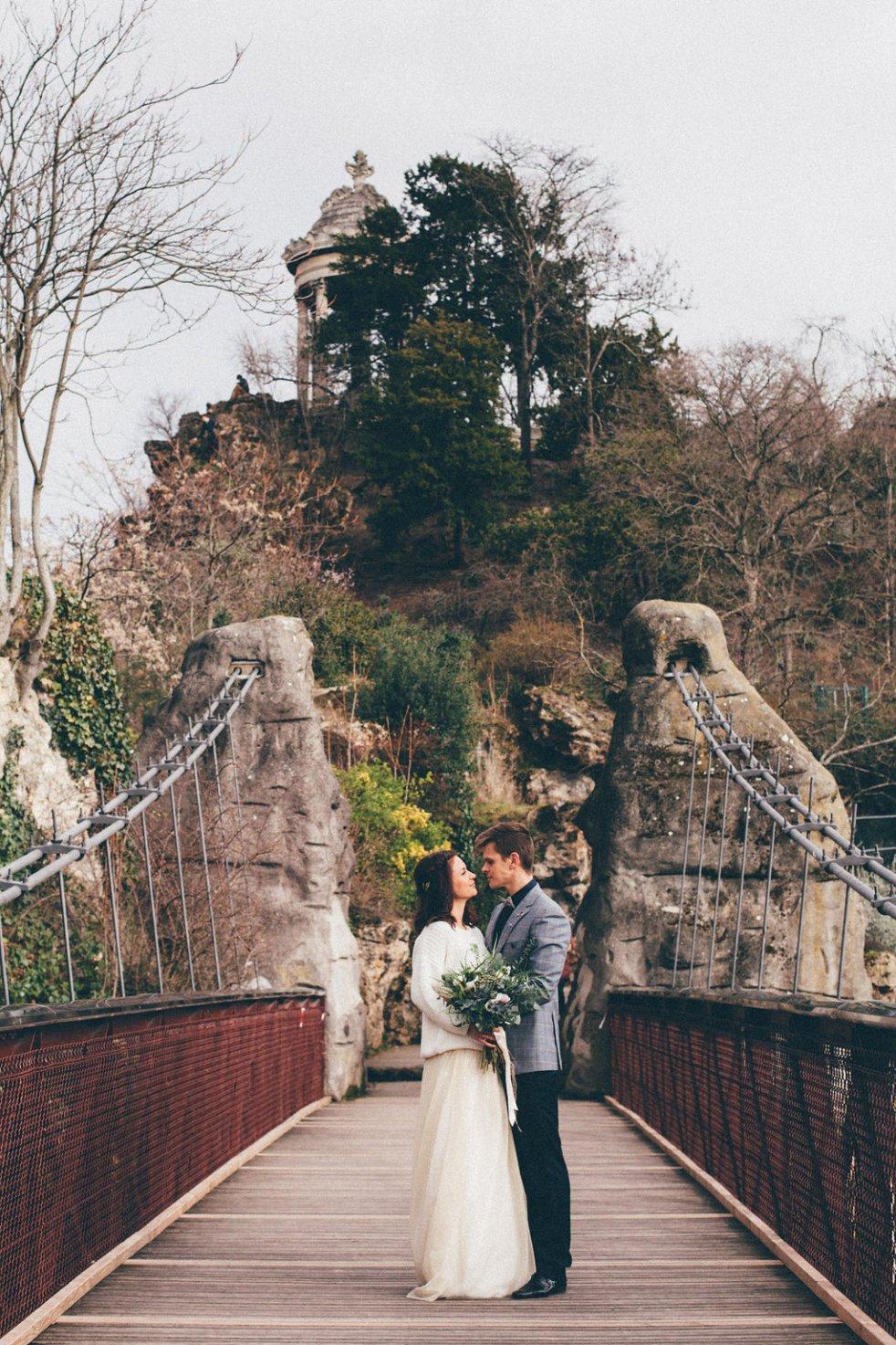 Shooting d'inspiration elopement aux Buttes-Chaumont Paris-Coralie Florino-Blog mariage La Mariee Sous Les Etoiles (49)
