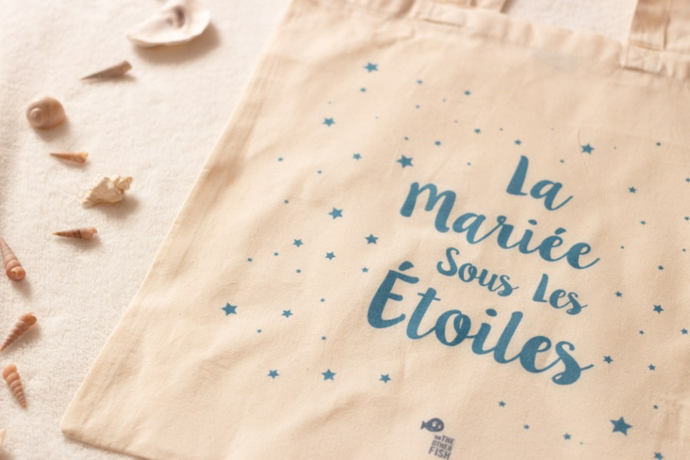 Totebag personnalisé On The Other Fish - Blog mariage DIY La Mariée Sous Les Etoiles (3)