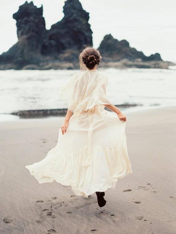 Carolina Ivan Love Session sur la plage Tenerife Island Espagne Credit kseniya bunets-24