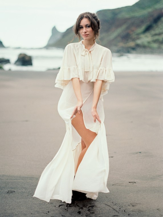 Carolina Ivan Love Session sur la plage Tenerife Island Espagne Credit kseniya bunets-29