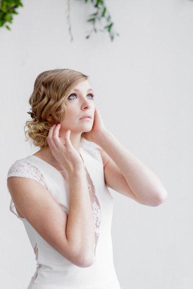 Workshop-coiffures-de-mariee-minimaliste-vegetal-floral-amélie-gouttenoire-photos-frederick-dewitte (9)