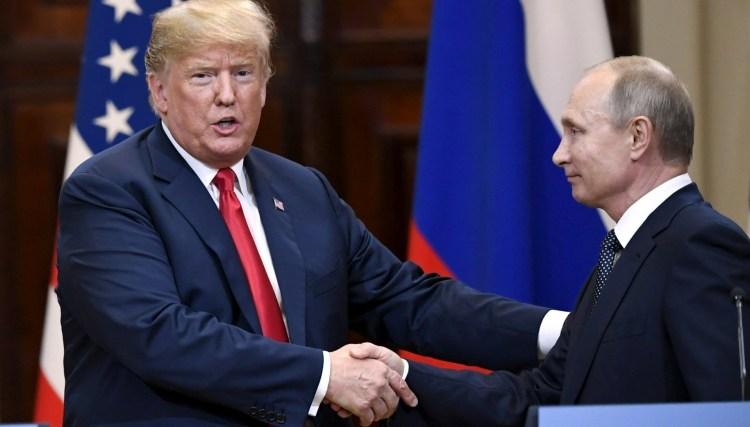 La columna aludió a la preferencia de Donald Trumppor figuras como Vladimir Putin. (Reuters)