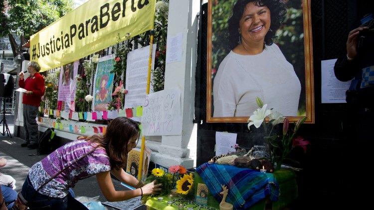 Comenzó el juicio por el asesinato de Berta Cáceres (AP)