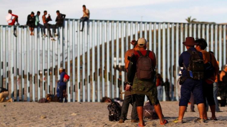 Ambos gobiernos enfrentan el problema de las caravanas migrantes (Foto: Archivo)