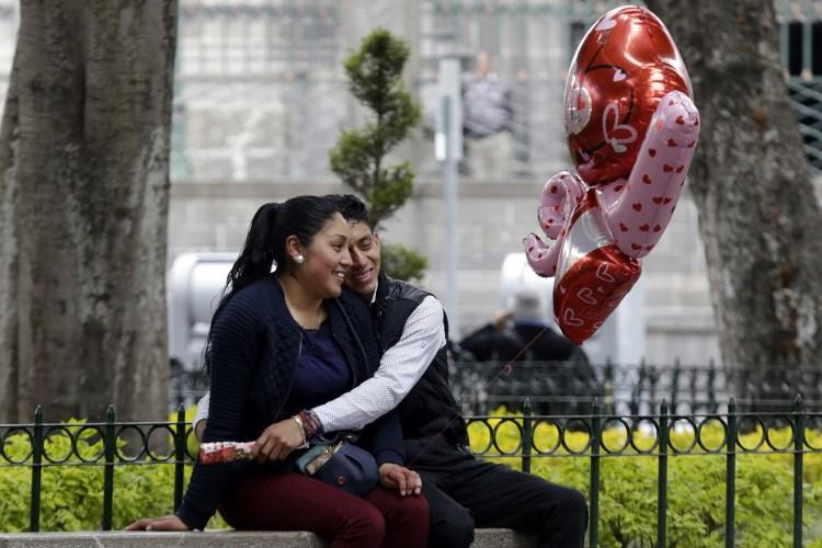 Millones de personas festejarán el 14 de febrero en México (Foto: Archivo)