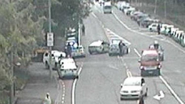 Imágenes de medios neozelandeses que muestras las inmediaciones donde ocurrió el ataque. (Twitter)