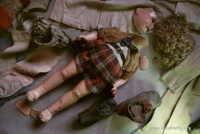 Bambola rotta