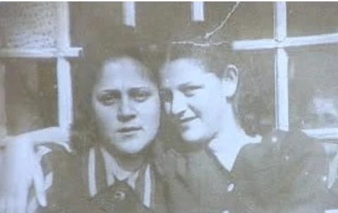 Nella foto,Lea ed Edith