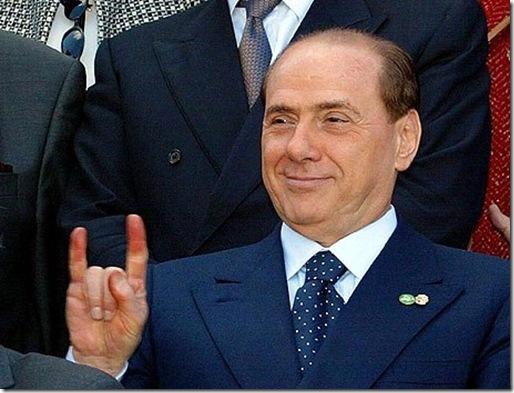 Berlusconi_corna