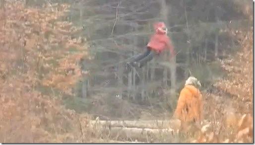niña rusa levitando