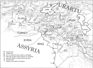 Reinos orientales hurritas  fronterizos con Urartu durante el Imperio Neo-asirio.  Siglos VII-VII a.c. aprox.. Dibujado por C. Wolff y documentado por C. Gruber sobre un esquema de Karen Radner.  (Desplegar)
