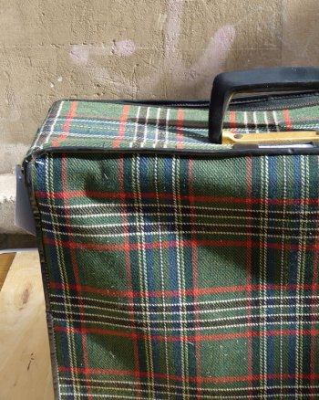 Maleta 60's de tela escocesa