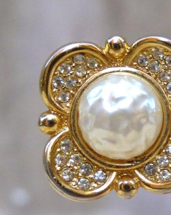 Pendientes Flor con perla al estilo Chanel