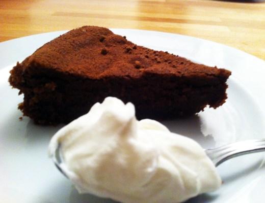 Torta morbida alla marmellata di castagne e cioccolato