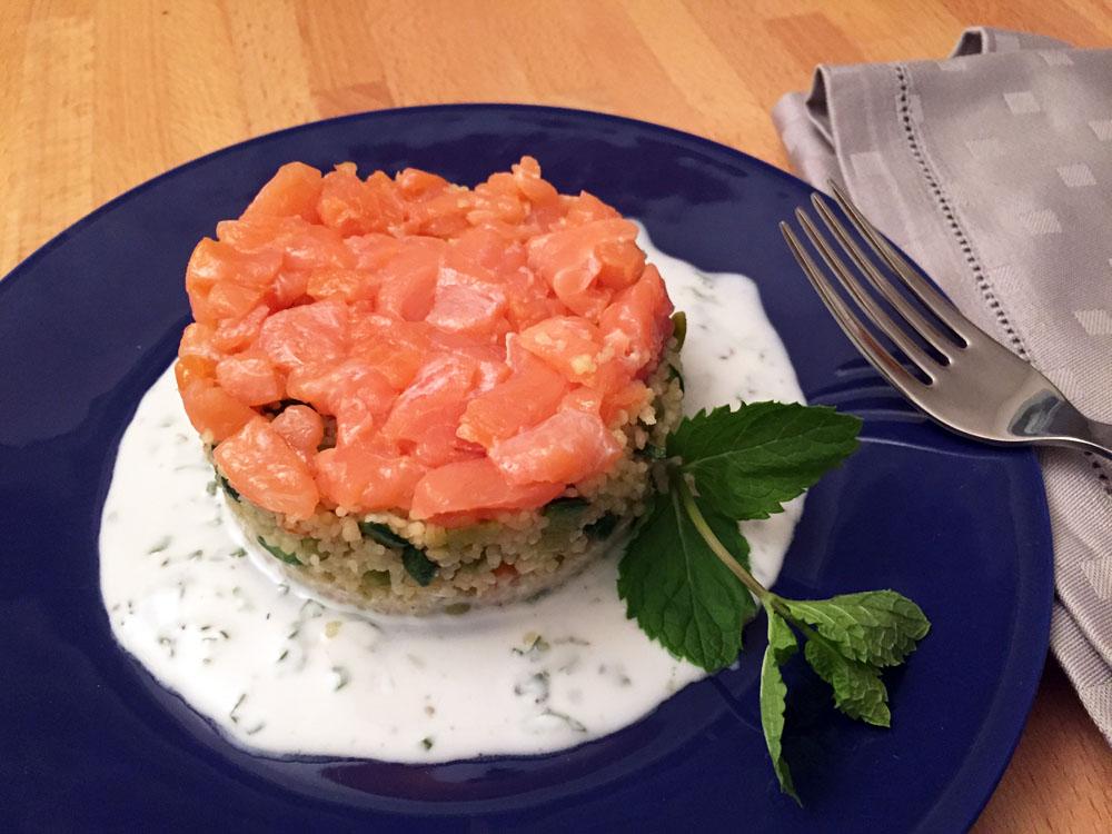Couscous con tartare di salmone affumicato