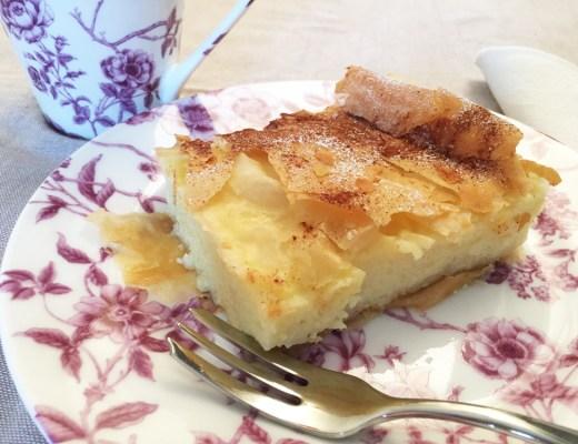 Bougatsa, torta greca con crema e sfoglia di pasta fillo