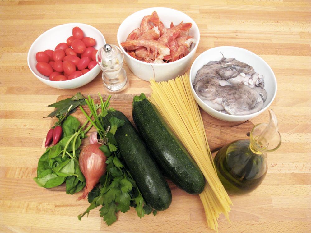 Trenette con polipo, gamberi, zucchine e pomodorini, gli ingredienti