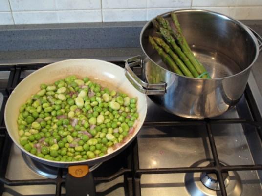 Orecchiette in insalata di primavera, verdure stufate
