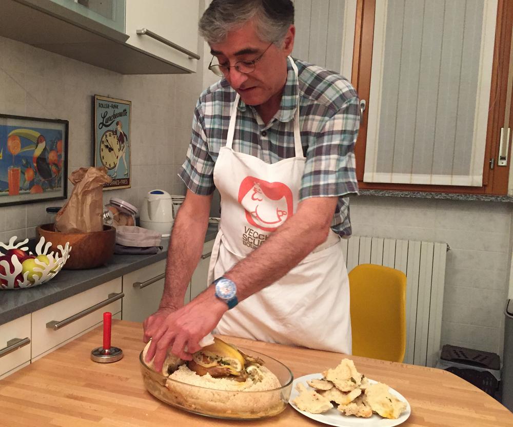 Pollo in crosta con menta e limone, il cuoco Gigi