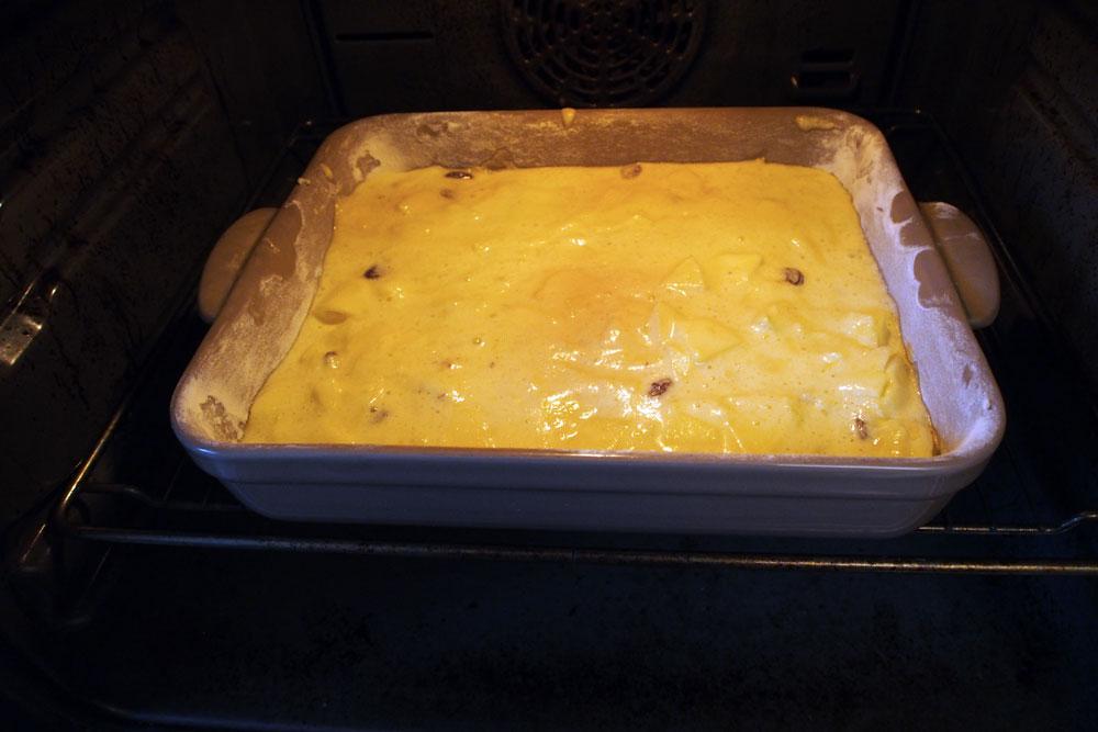 Torta morbida di mele in pastella
