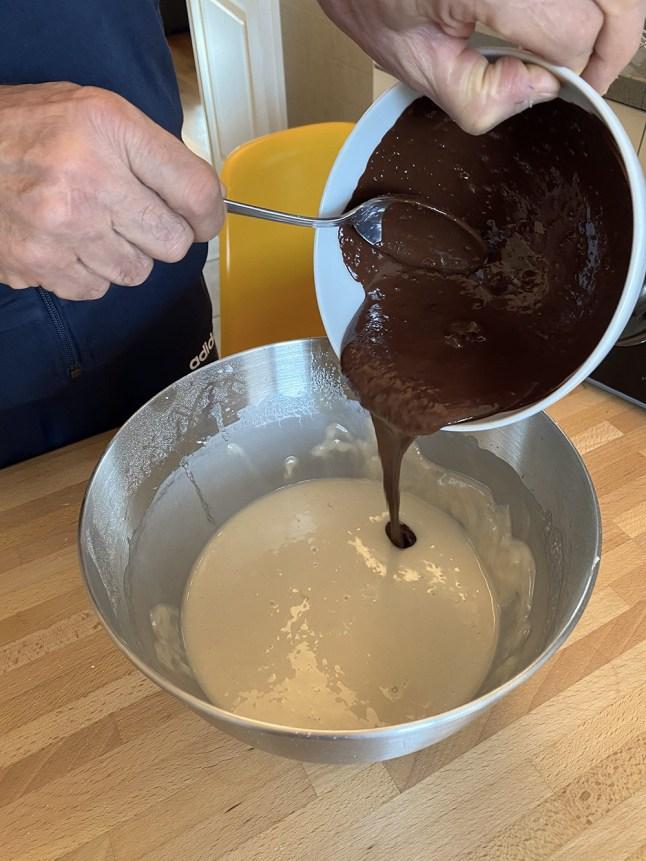 Torta all'acqua e cioccolato