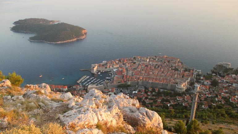 Dubrovnik y la isla de lokrum desde el monte srd