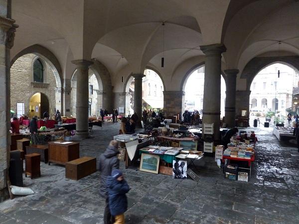 Mercado vintage en Bérgamo