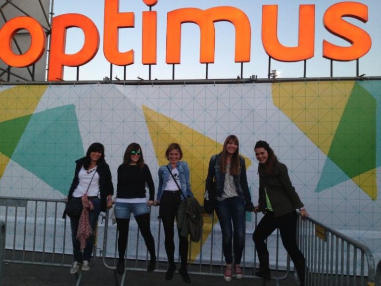 chicas en el festival