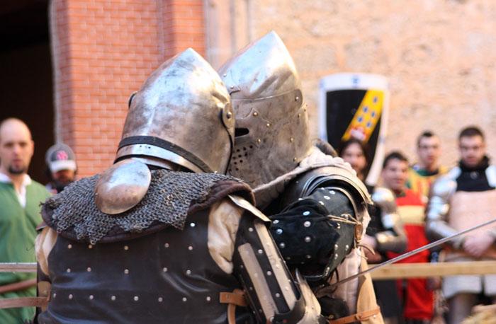 combatientes medievales
