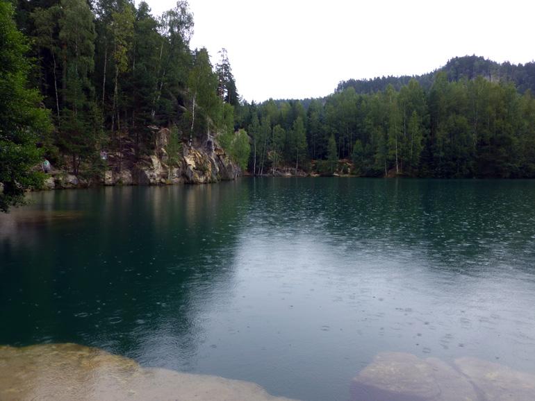 lago-de-la-ciudad-roca-de-adrspach-republica-checa