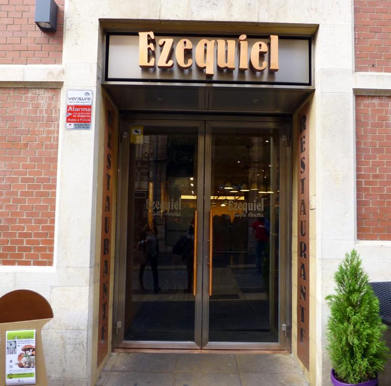 Entrada del restaurante Ezequiel