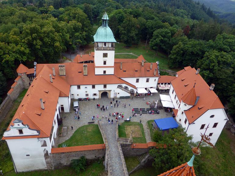 castillo-bouzov-chequia