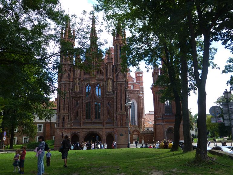 iglesia-de-santa-ana-en-vilna