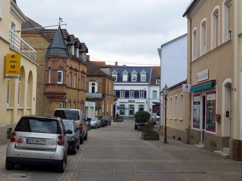 de Paseo por una calle de Germersheim