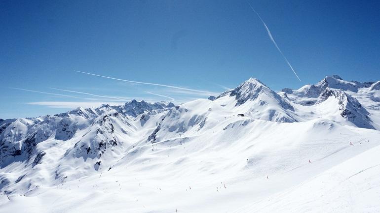 Montañas nevadas en Peyragudes