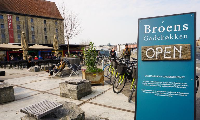 cartel de entrada a Broens Gadekøkken
