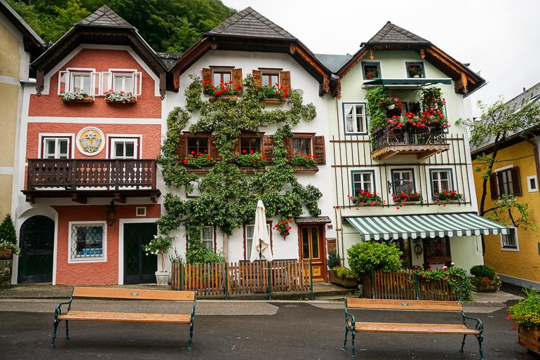 coloridas fachadas de Hallstatt
