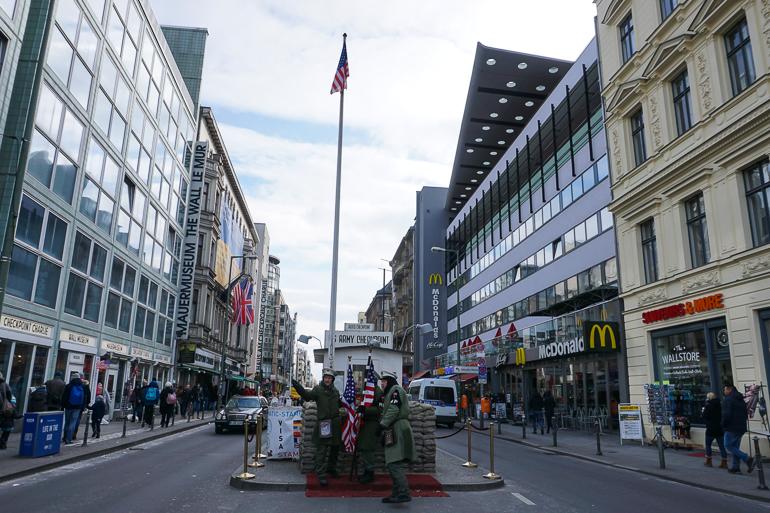 checkpoint-charlie-berlin-en-un-fin-de-semana