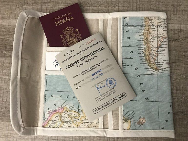 Porta documentos, pasaporte y permiso de conducir internacional