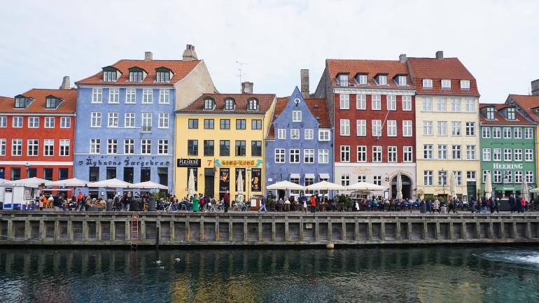 fachadas coloridas del canal Nyhavn